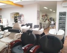 Prodajno-izložbeni salon kozmetičke i frizerske opreme